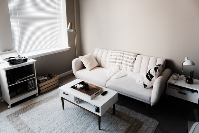 a clean and tidy living room